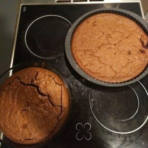 2 space cakes out of the oven